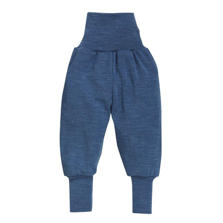 Babybukse, ull/silke: Ullbukse til baby og små barn i myk ull/silke. Elastisk og romslig bukse som ikke strammer rundt magen. Ull/silke kan brukes året rundt. 70% økologisk, ubehandlet merinoull, 30% silke. fra Nøstebarn.
