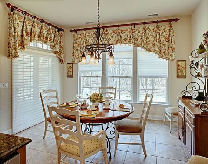 87 best images about country cottage french on pinterest for Country kitchen dining room ideas