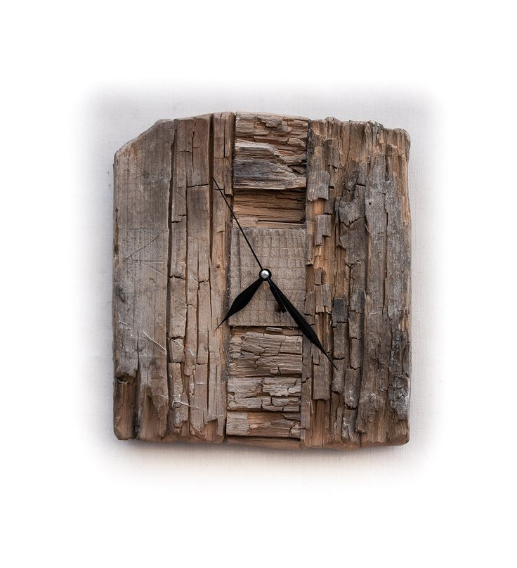 Model no 1. Aged wood is a beautiful way to add character to your home or garden. Developped naturally. Pine wood. Size: 35 cm x 30 cm.