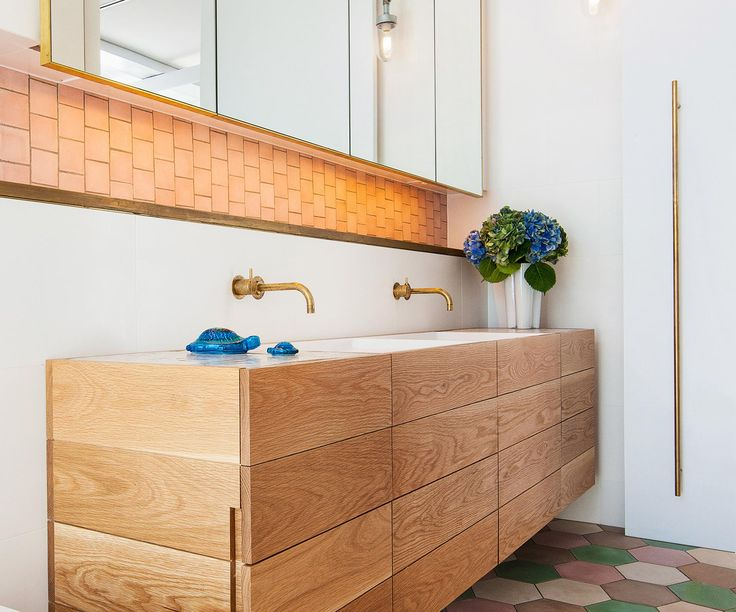 Check out our gallery of luxury bathrooms that stand out from the crowd. If you are a fan of bold patterns and bright colours then step this way…