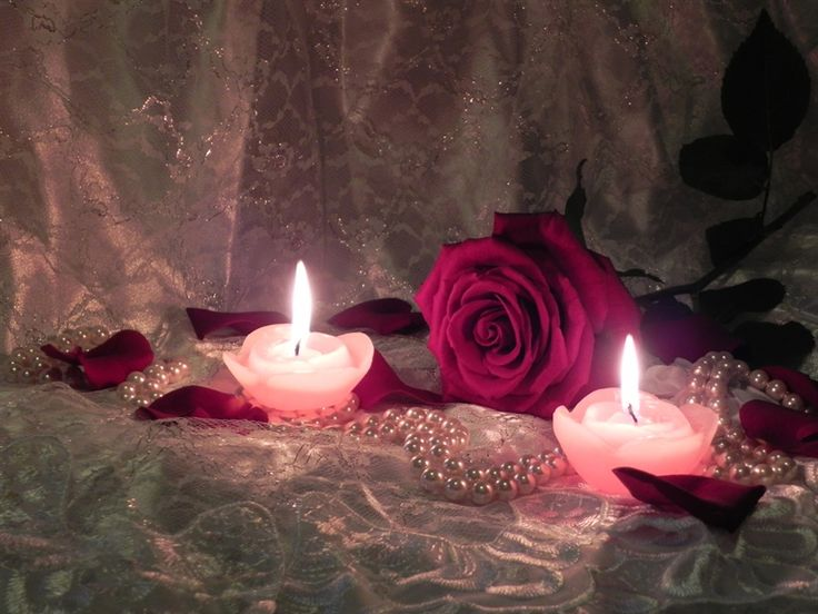 romantic candles and roses how romantic candles flames. Black Bedroom Furniture Sets. Home Design Ideas