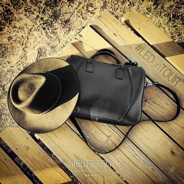 Let's start #LED tour! BUTTERFLY!  http://bit.ly/THu8AL #handbags #bags #lovebags #ledemotion #butterfly