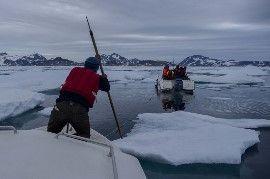 El hielo del Ártico registra su extensión mínima del año mientras los activistas de Greenpeace siguen retenidos por las autoridades rusas | ...