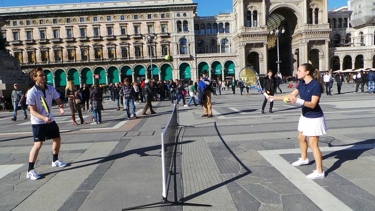 In piazza a #Milano si gioca una partita molto speciale: buon 80° compleanno #Lacoste!
