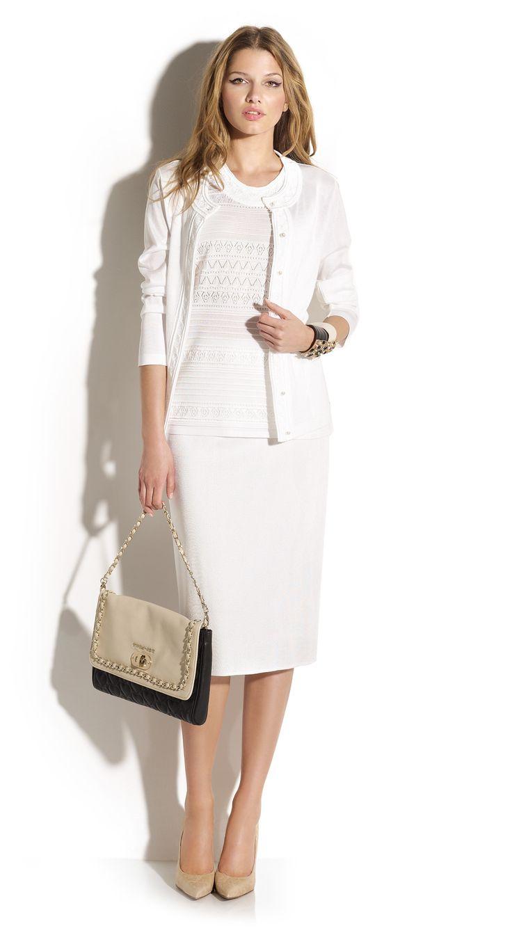 Total look falda tubo con twin-set de punto calados estilo años 50.