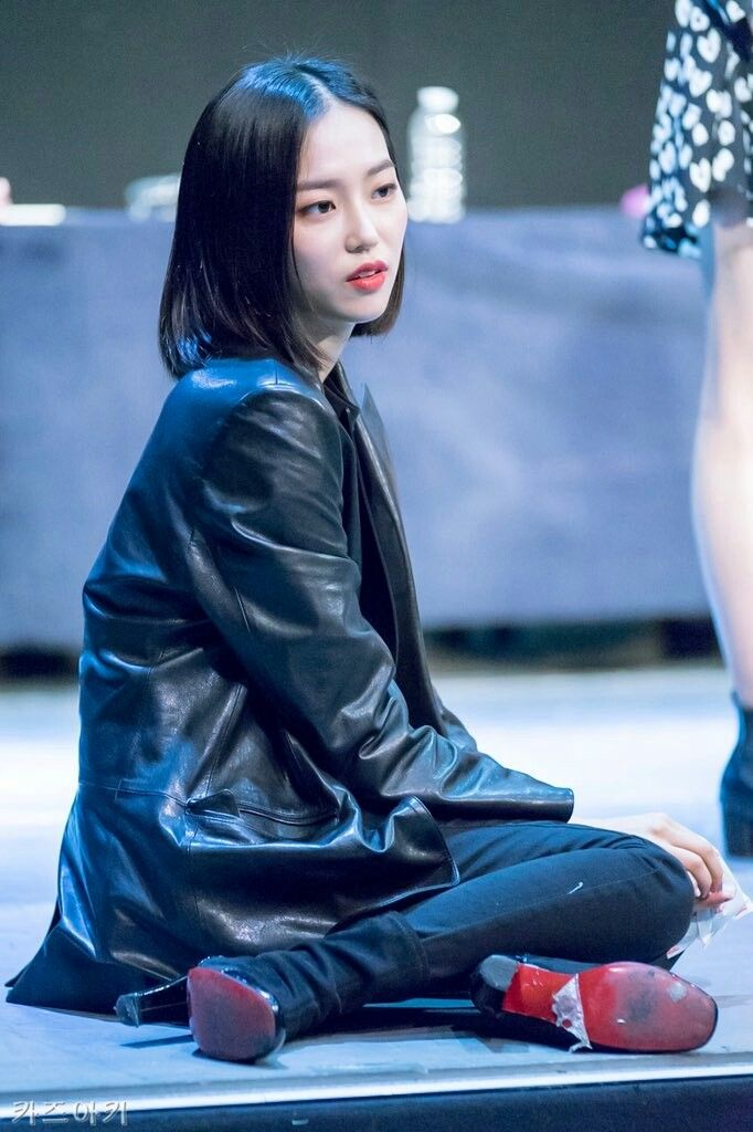 Yeeun Clc Crystal Clear Jang Yee Eun Kpop Girls Black Pink Kpop Clc