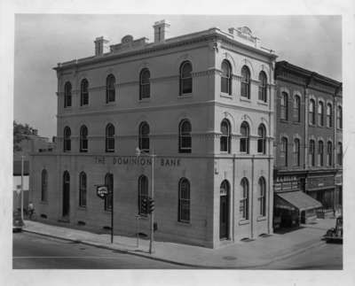 Dominion Bank building, 1940. 101 Brock St. S.
