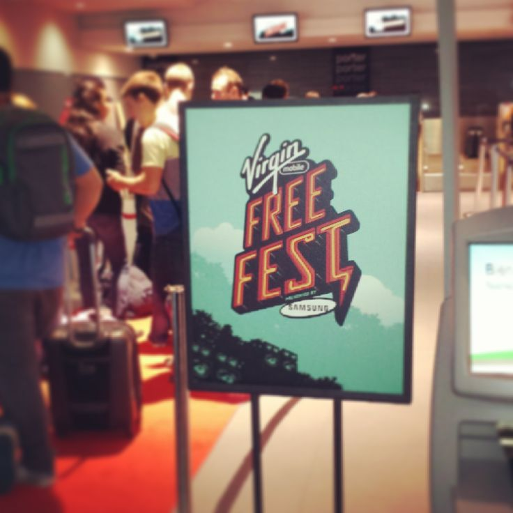 We need to bring out the red carpet more often. It totally makes an entrance! #FreeFest #tbt