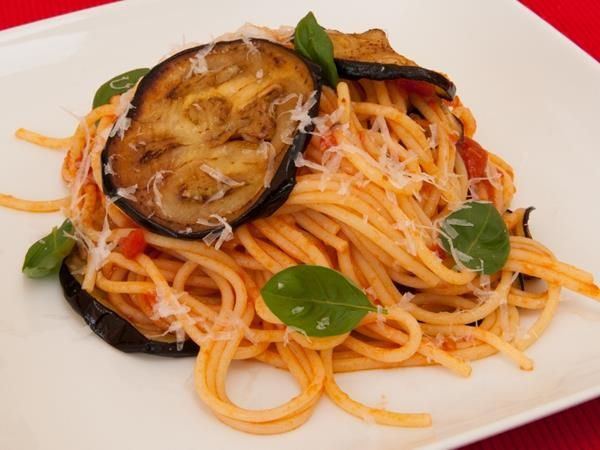 #pasta #aubergine #sicilian #meatfreemonday #vegetarian