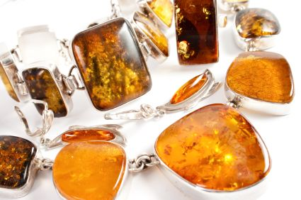Making amber resin