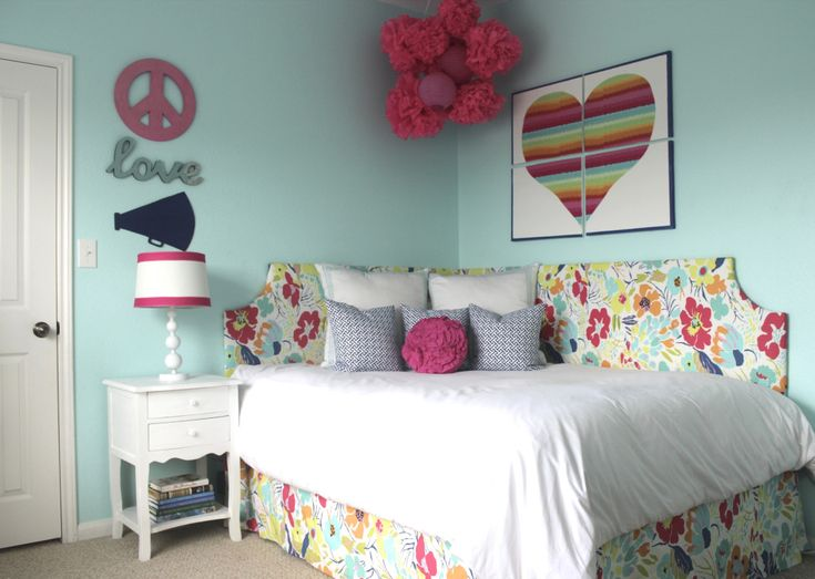 Big Girl Room with DIY Headboard: Corner Beds, Girls Bedrooms, Corner Headboards, Blue Bedrooms, Girls Rooms, Beds Headboards, Bedrooms Ideas, Kids Rooms, Diy Corner