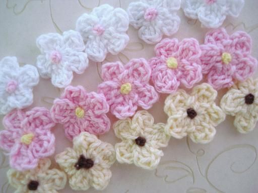 60 Hand Crochet Small Daisy Knit Cute Flower/Pink/White/Brown/trim/knitting C17