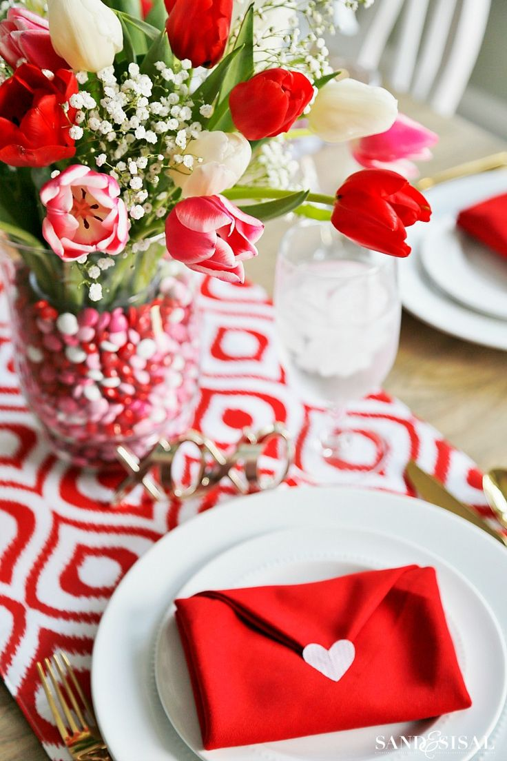 Valentine table decorations pinterest - Sand And Sisal