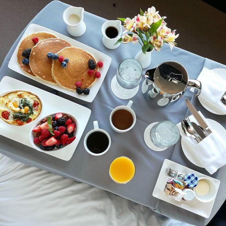 #nails #nailart #beautifulnails #funnails #ногти #маникюр #красивыеногти #letsnailtravelling #letsnaileating А можно каждый день так?  Для меня идеальный завтрак - что-нибудь мучное вроде панкейков или вафель черный кофе без сахара и фрукты. Да еще сыр! Тосты с сыром - это прямо  К овсянке никак не могу себя приучить(( А что вы любите на завтрак? ПП или #растипопабольшаяималенькая? Чай или кофе?