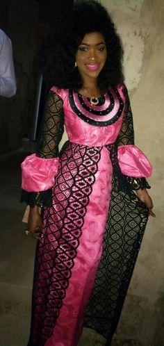 Robe de la femme africaine, vêtements pour femmes africaines, tenue africaine, vêtements femmes africaine, robe africaine, vêtements africain, tissu africain