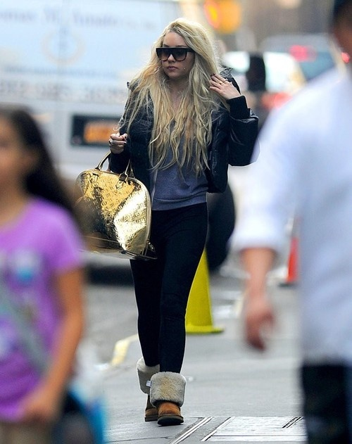 Amanda Bynes out in New York City on April 9, 2013