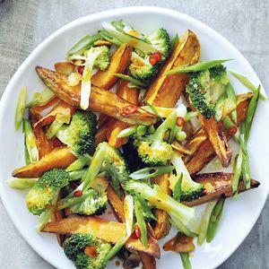7 oktober - Broccoli in de bonus - Recept - Zoete aardappel en broccoli - Allerhande