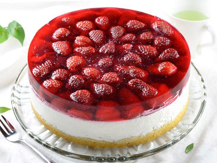 Strawberry Jello Cake - Chocolate Dessert Recipes - OMG Chocolate Desserts