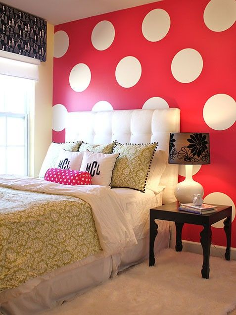 Love, Love, Love This Bold Backdrop For A Classic Minnie Room.