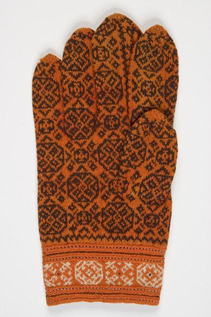 Finely knitted glove from Muhu Island, Estonia