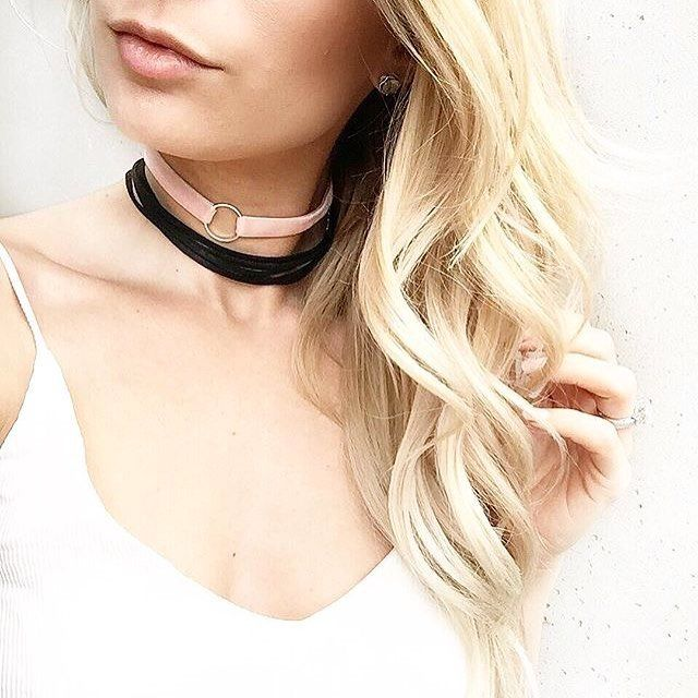 @lapetitenoob and a hint of pink #ardenelove #regram #instastyle #choker #accessories