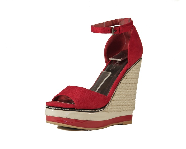 Topping Madison's must-have Monday list this week, is the shoe of the spring season. Add instant chic to your spring wardrobe with Madison's Shona wedge.