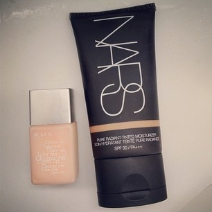 RMK's Makeup Base under the NARS Tinted Moisturiser is like perfection
