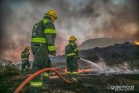 Tips how to help fire fighters when wild fire season gets out of control. As a local community you can make a difference (great example by the community of Cape Town with ).  http://www.firebuggroup.com/practical-ideas-help-support-fire-fighters/
