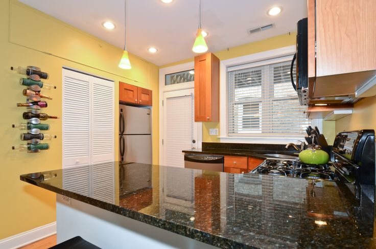 Kitchen 10x9 Stainless steel appliances include