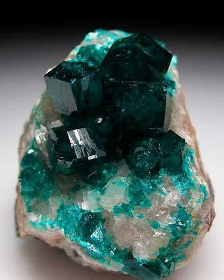 Dioptase from Tsumeb Mine, Namibia.  Geology Wonders