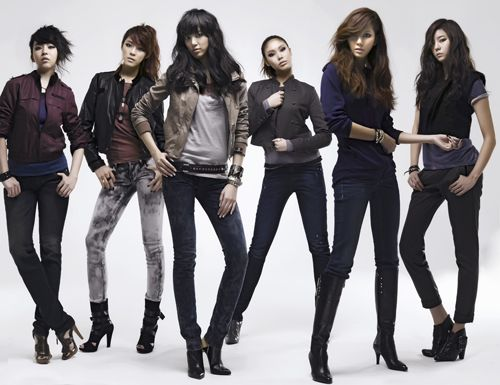 Taegoon and After School for Dressed To Kill Fall/Winter 2009 Catalogue