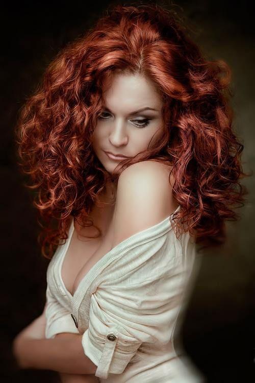 Lovely redhead dildoing &amp