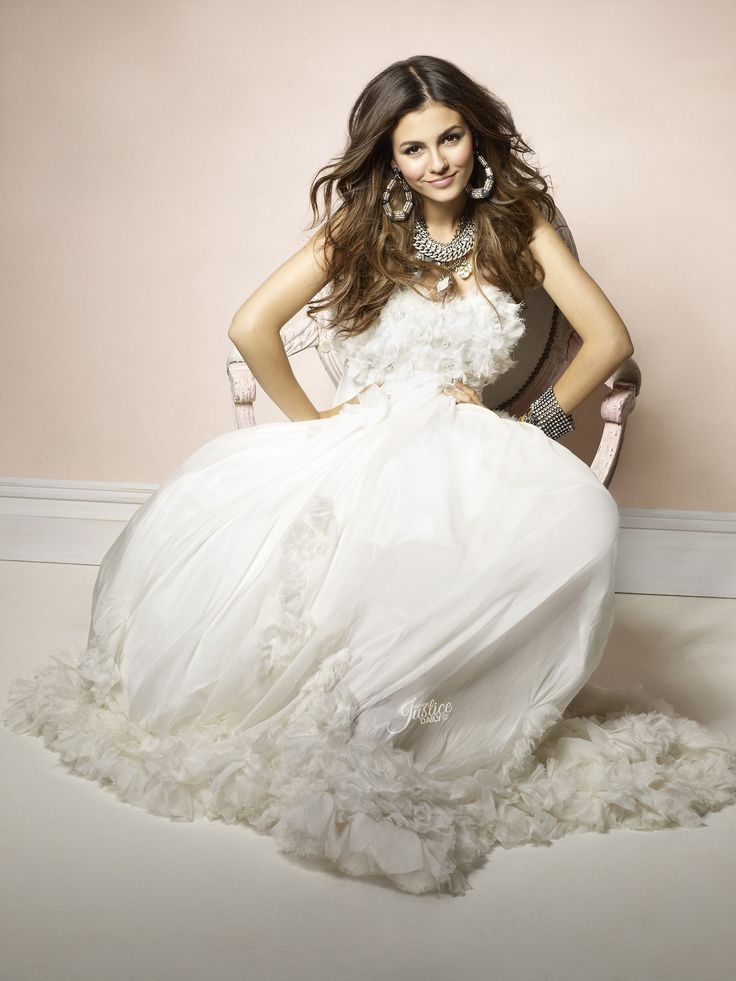 17 best images about victoria justice on pinterest for Ariana grande wedding dress
