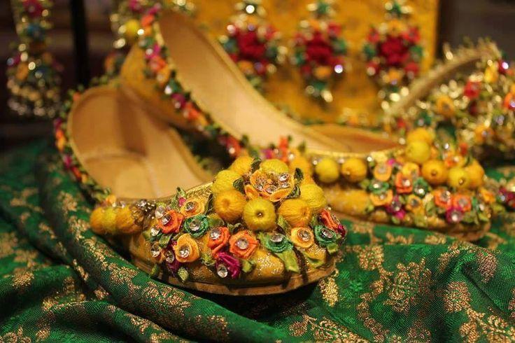 Gota shoes