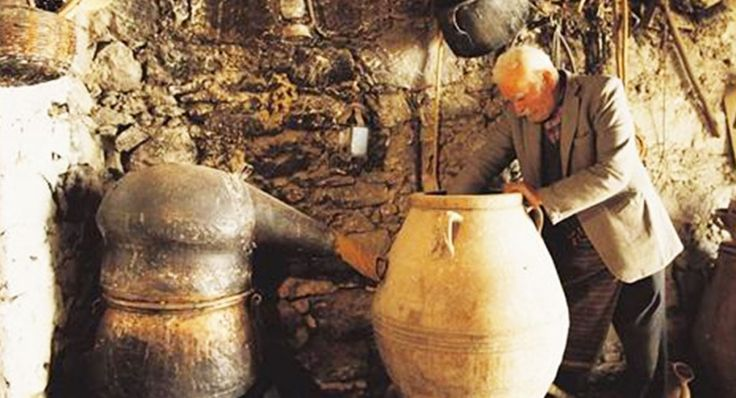 "Discover how the ""Spirit"" of Crete is made at the Rakokazana (Kazanemata) celebration! More at: http://goo.gl/yPI8jB  ‪#‎rakokazano‬ #‎cretan_raki‬ #‎traditional‬ #‎leventogenna‬ #GalaxyHotelIraklio"