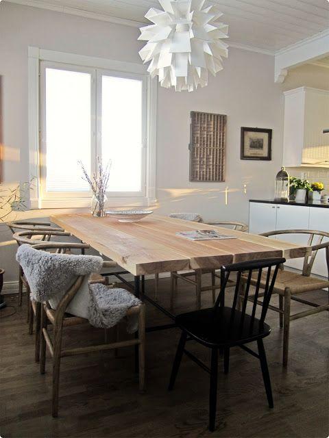 Ruokapöytä lankuista / lankkupöytä