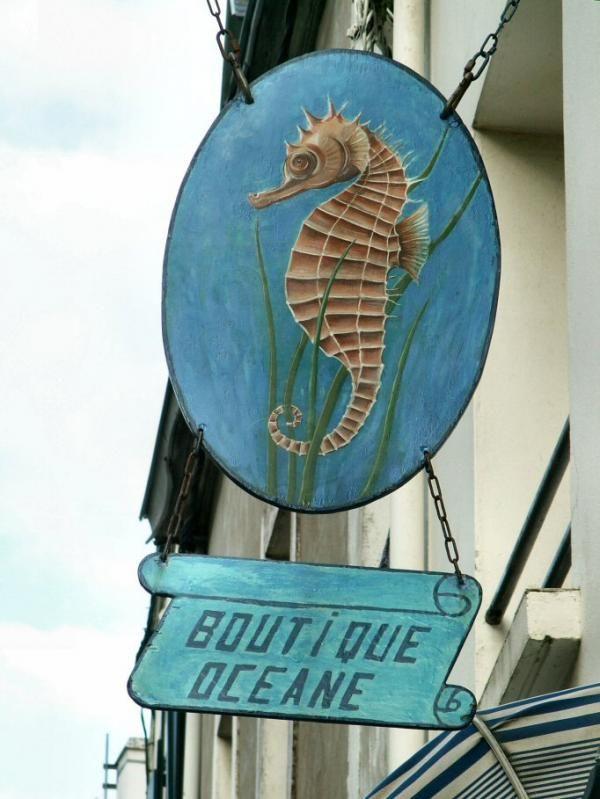 La boutique océane, côté face, Sauzon, Belle-Île-en-Mer, Morbihan (56)