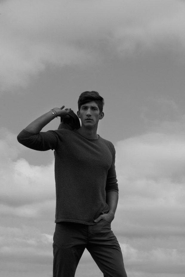 Michal Baryza at Specto Models by Witold Lewis essa blusa de seda com flanela tem textura fina gosto muito desse tipo de blusa