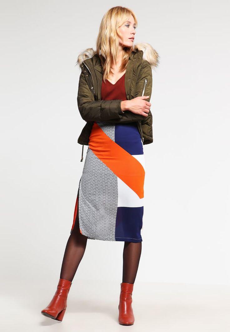 ¡Consigue este tipo de falda cruzada de Topshop ahora! Haz clic para ver los detalles. Envíos gratis a toda España. Topshop CUTABOUT Falda cruzada multicoloured: Topshop CUTABOUT Falda cruzada multicoloured Ofertas   | Material exterior: 100% poliéster | Ofertas ¡Haz tu pedido   y disfruta de gastos de enví-o gratuitos! (falda cruzada, cruzadas, wraparound, split, gekreuzter rock, falda cruzada, jupe croisée, gonna incrociata, cruzada)