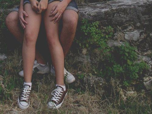 lovers: Teenage Couple Photos, Stuff, Young Boys Fall Pictures, Teenage Couple Photography, Legs, Teenage Lovers, Bride, Relationships, Boyfriends
