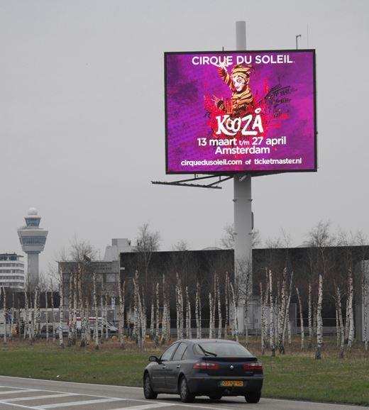 Kooza Cirque du Soleil in Amsterdam! www.cirquedusoleil.com  Ook een circus op de kaart zetten? www.interbest.nl #interbest #reclamemast #billboard #kingsize #billboards #buitenreclame #oohmedia #ooh #marketing #evenement #evenementenmarketing #led #reclamezuil #marketing #schiphol #amsterdam #kooza #cirquedusoleil #powertower