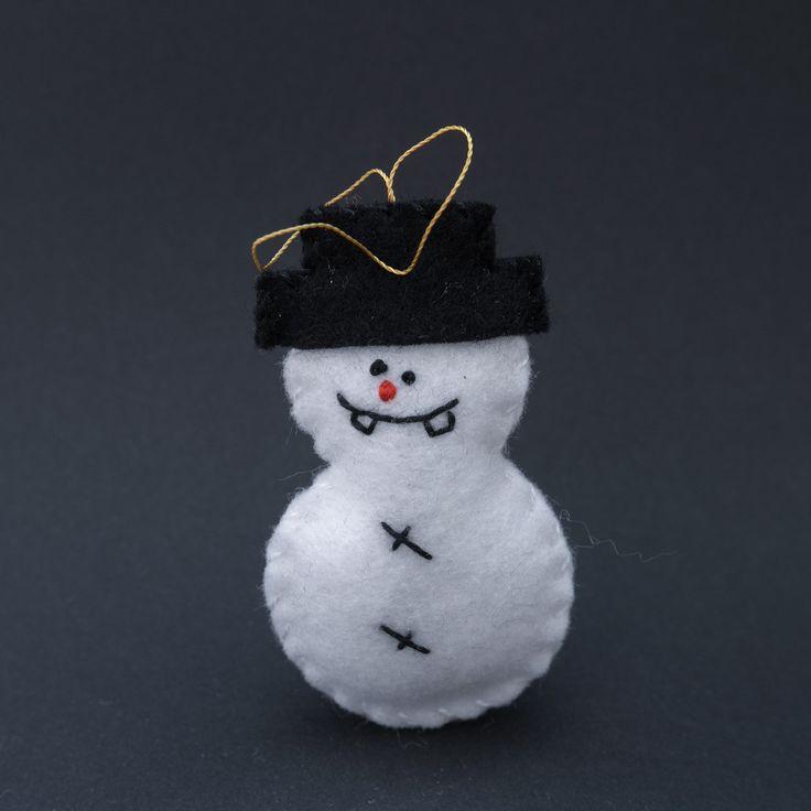Idiotic snowman - felt snowman, snowmen, snowman decor, christmas snowman, winter snowman, white snowman - by HalloweenOrChristmas on Etsy