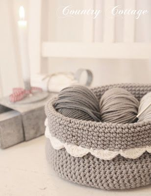 crochet basket ***