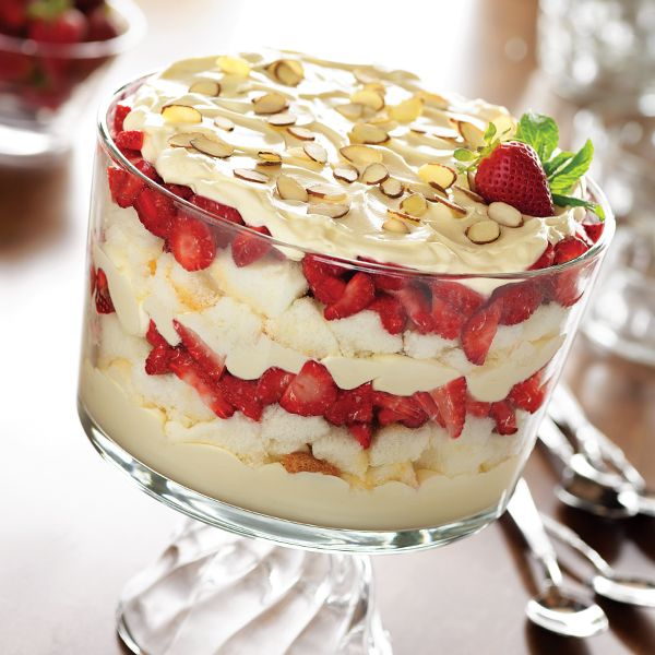 how to make a simple strawberry trifle