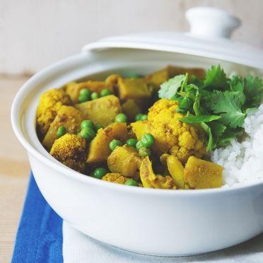 Indiase curry met aardappelen en bloemkool 'Aloo gobi' - Dille & Kamille | 't is lente!