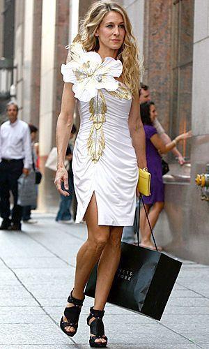 кэрри брэдшоу платье с воланом на одно плечо - Поиск в Google