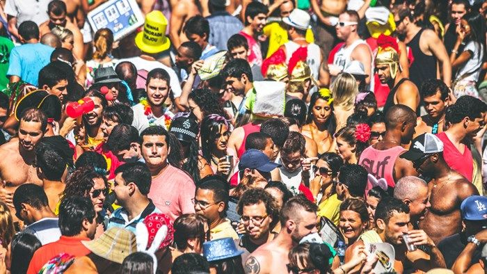 Colorful street party during the carnival in Rio de Janeiro, Brasil #kilroy #pary #crowd