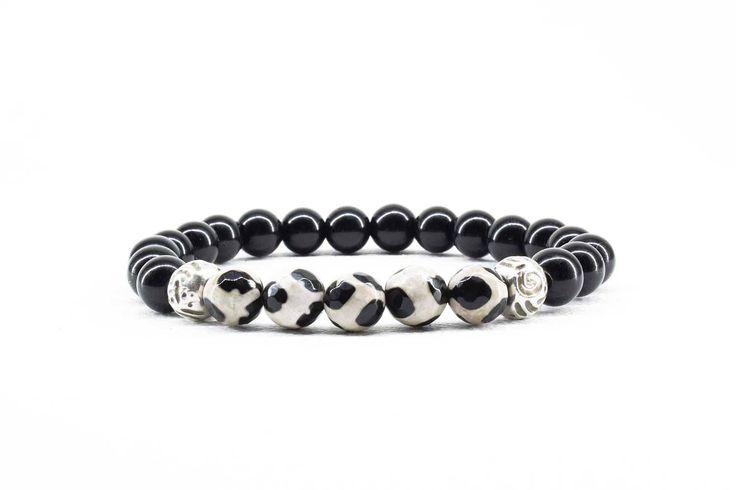 Women's Bracelet, Agate Bracelet, Black Onyx Bracelet, Beaded Stretch Bracelet, Black and White Bracelet, Gift for Her, Mother's Gift