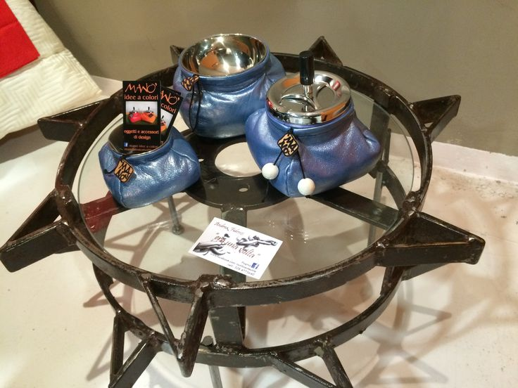 """Tavolino di """"Era una volta"""" di Andrea Fidenzi Oggetti recuperati che diventano opere d'arte  Posacenere di MANO', oggetti e decorazioni fatti a mano"""
