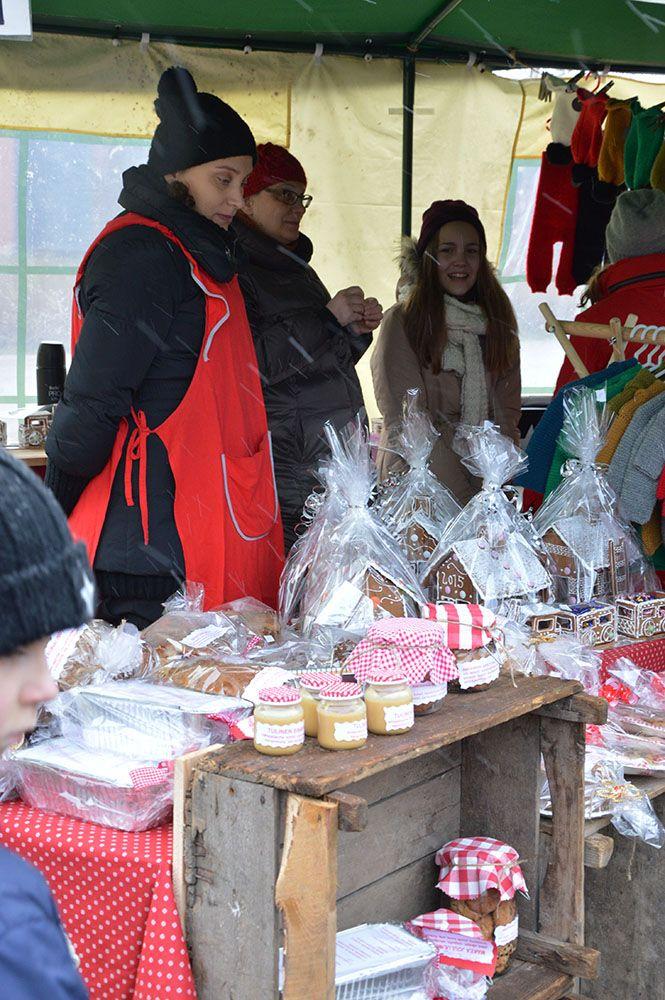 Joululahjojen ostoa ei kannatta jättää tänä vuonna viime tippaan. Perinteisillä joulumarkkinoilla on myynnissä monenlaista ihanaa. Luuppi, Oulu (Finland)